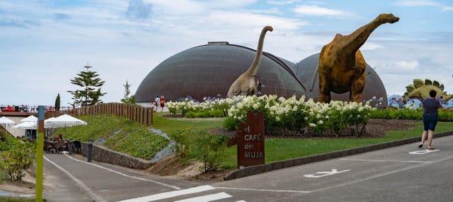 Entrada al Museo del Jurásico de Asturias