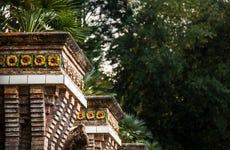 Entrada al Capricho de Gaudí