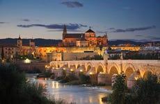 Paseo por Córdoba al anochecer
