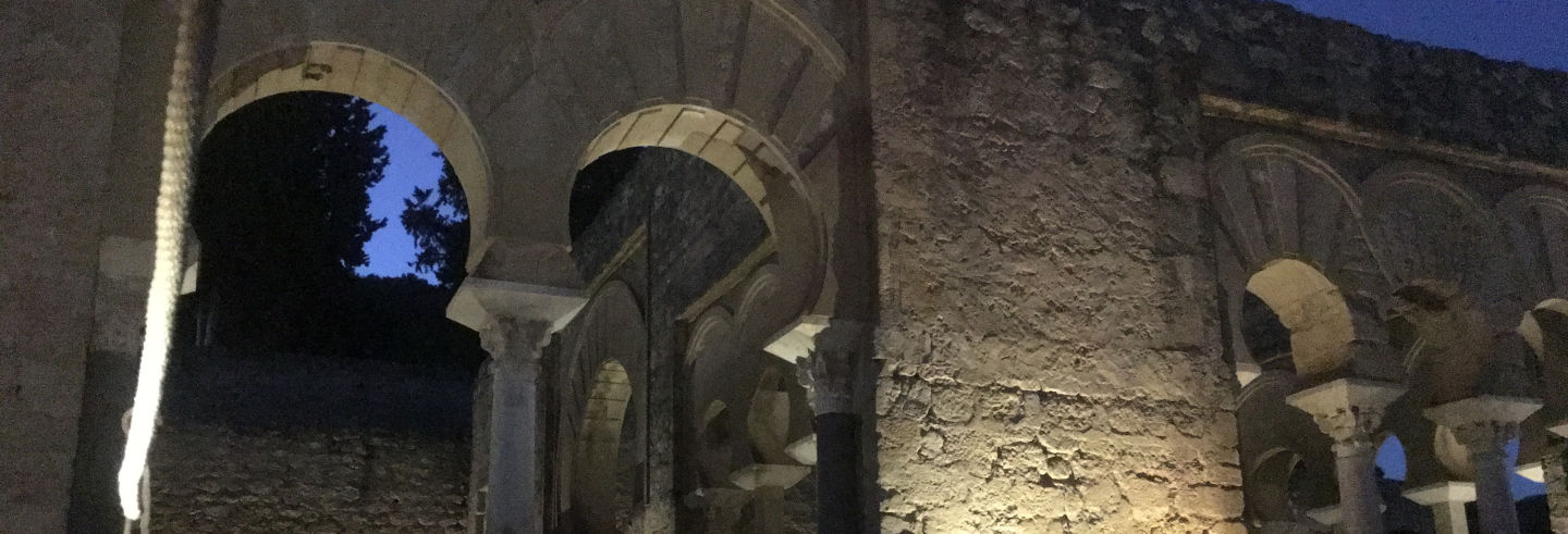 Tour nocturno por Medina Azahara