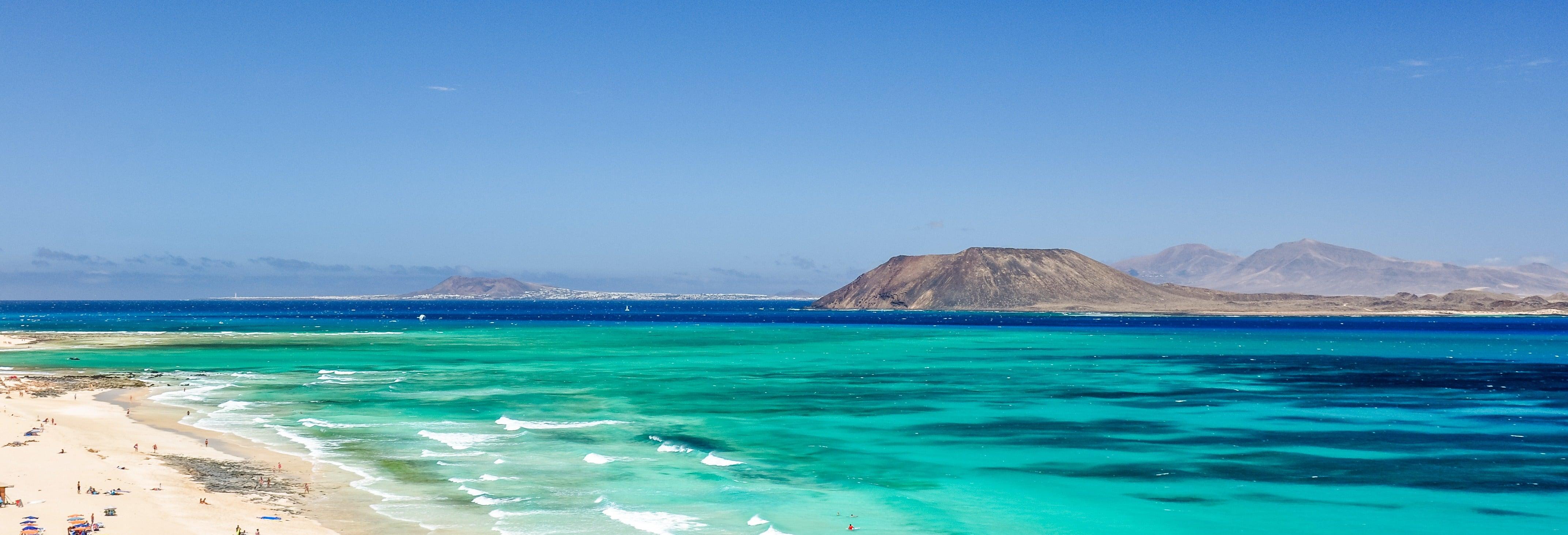 Ferry a isla de Lobos + Snorkel desde Corralejo
