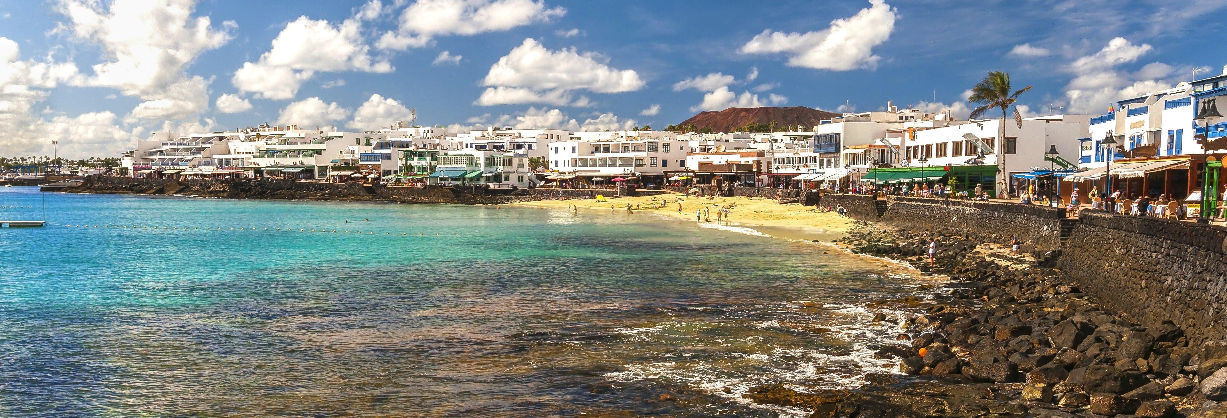 Lanzarote por libre en ferry desde Corralejo