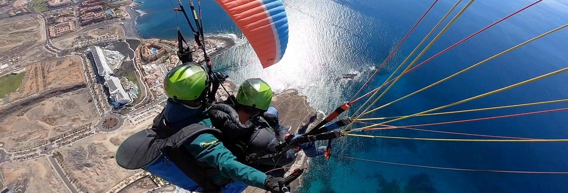 Voo de parapente pelo sul de Tenerife