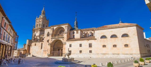 Tour privado por El Burgo de Osma ¡Tú eliges!