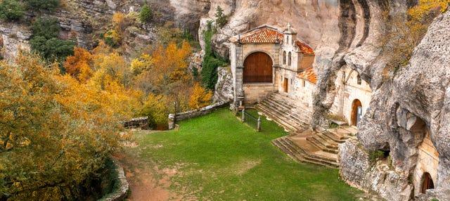 Tour por Espinosa de los Monteros, Puentedey y ermita de San Bernabé