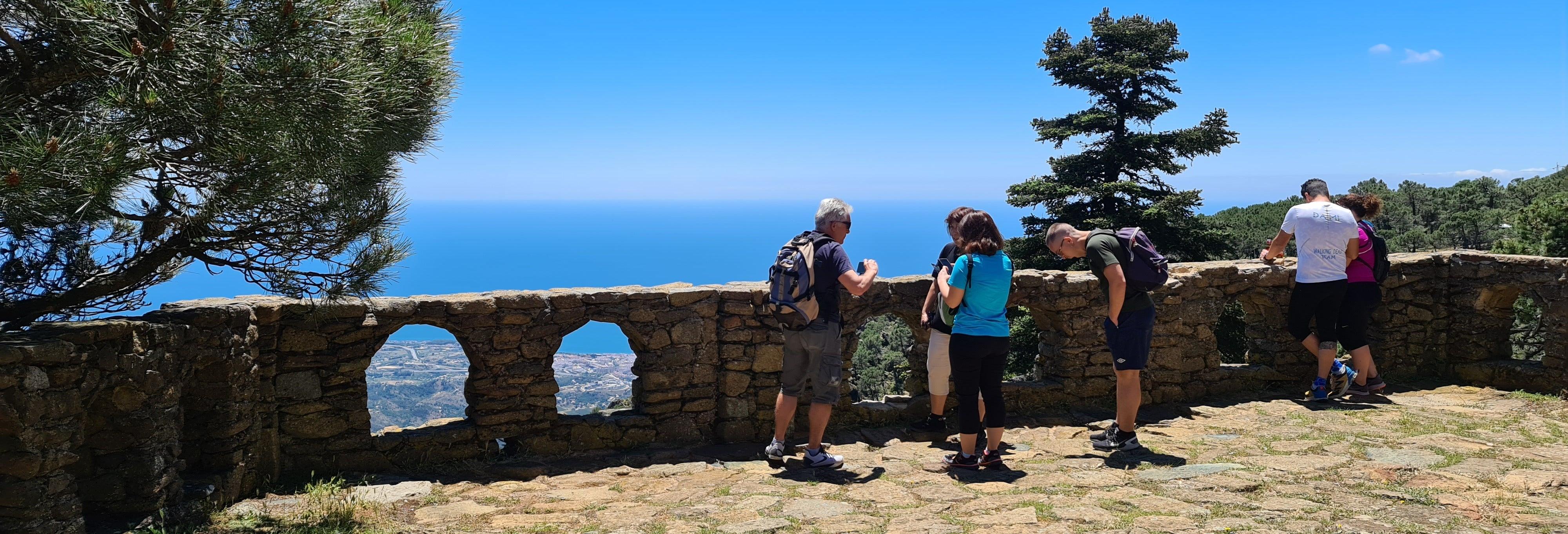 Excursión a Sierra Bermeja, Genalguacil y Pasarelas del Genal