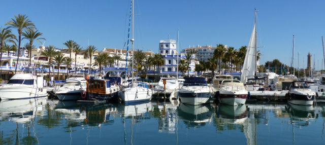 Tour por el puerto de Estepona