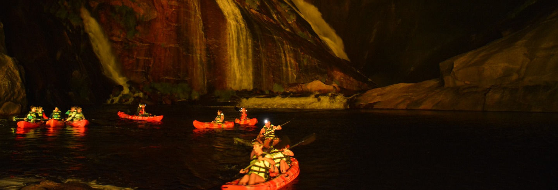 Tour noturno de caiaque pela cascata de Ézaro