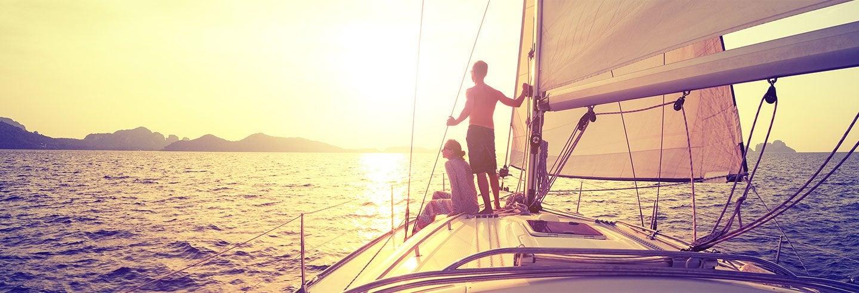 Passeio de barco a vela ao entardecer saindo de Fornells