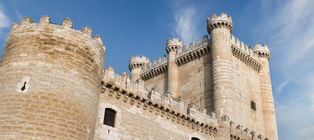 Entrada al castillo de Fuensaldaña