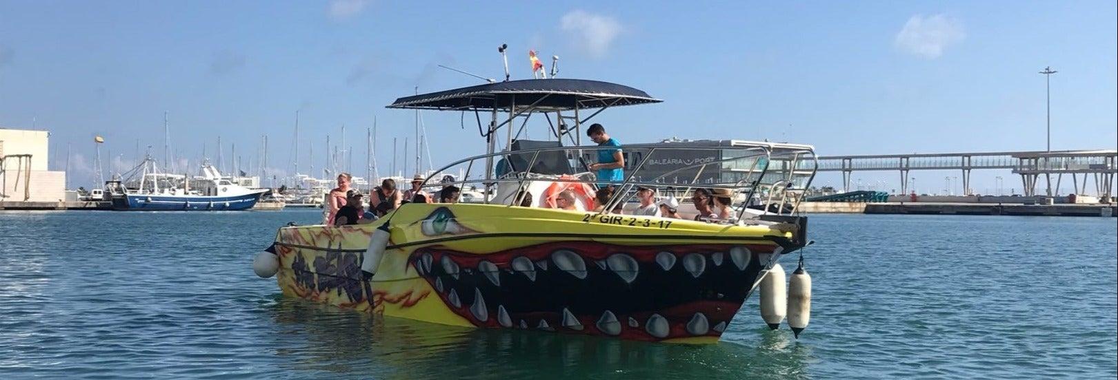 Passeio de catamarã pela costa de Denia