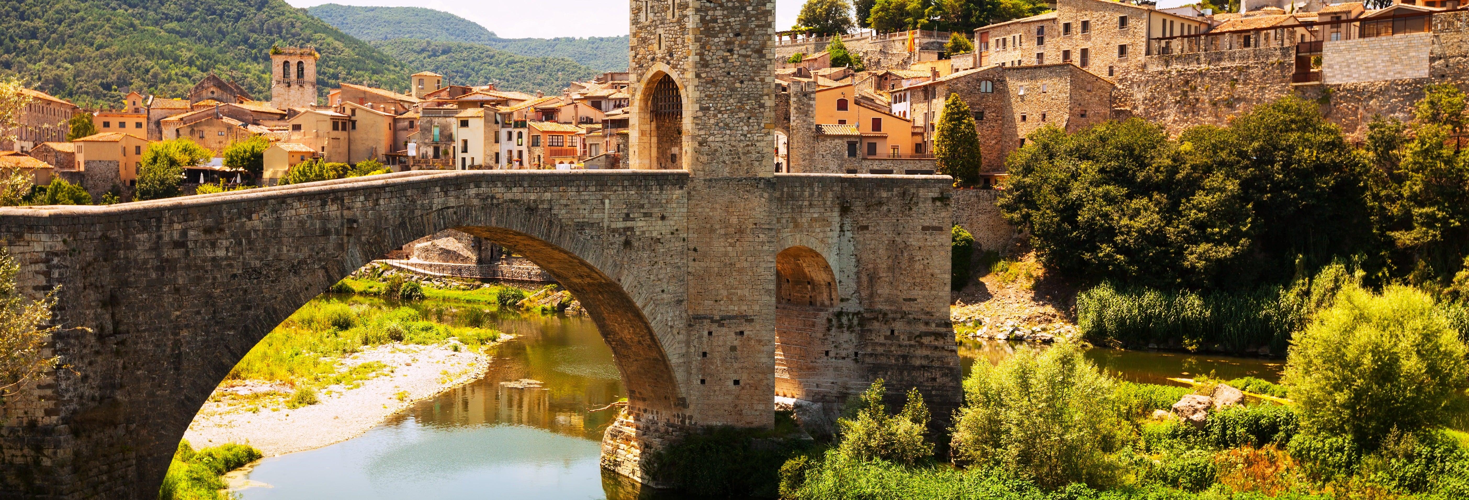 Tour de meio dia por Girona e Besalú