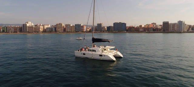 Alquiler de barco con patrón en Gijón