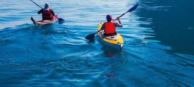 Alquiler de kayak en la playa de La Rijana