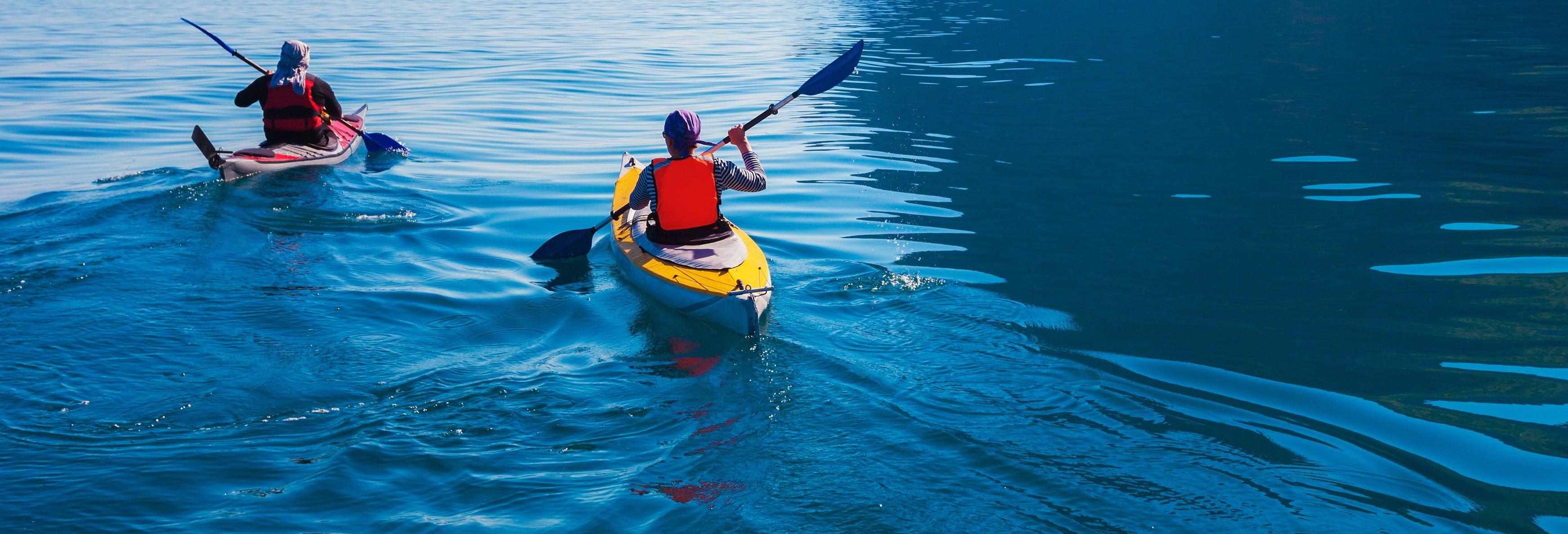 Excursión en kayak en la playa de La Rijana