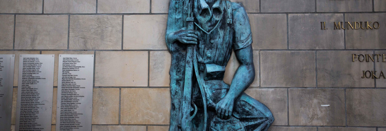 Tour por los monumentos históricos de Guernica