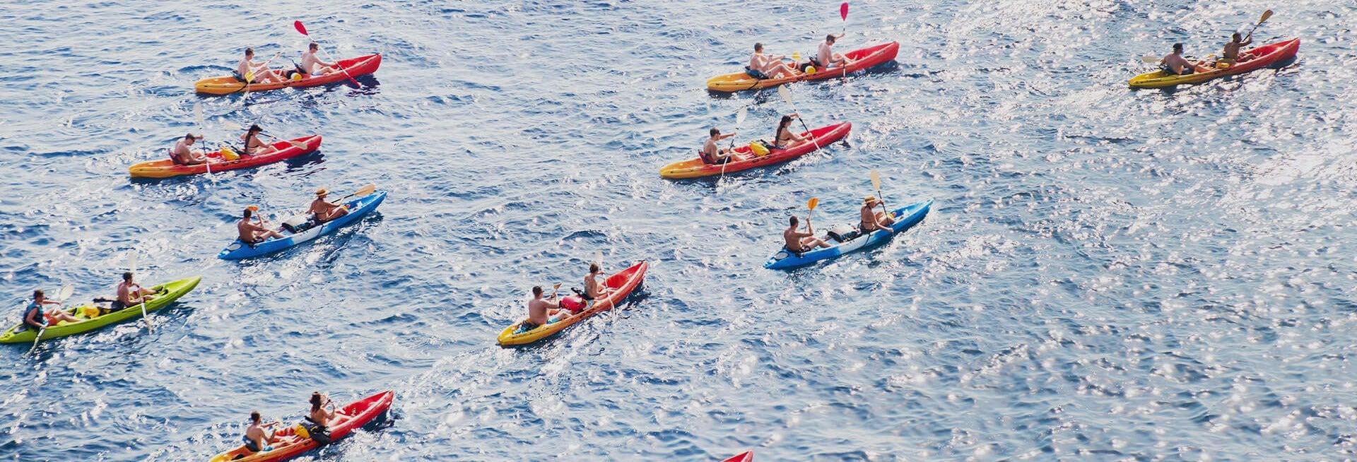 Excursión en kayak por la cueva del Lobo Marino