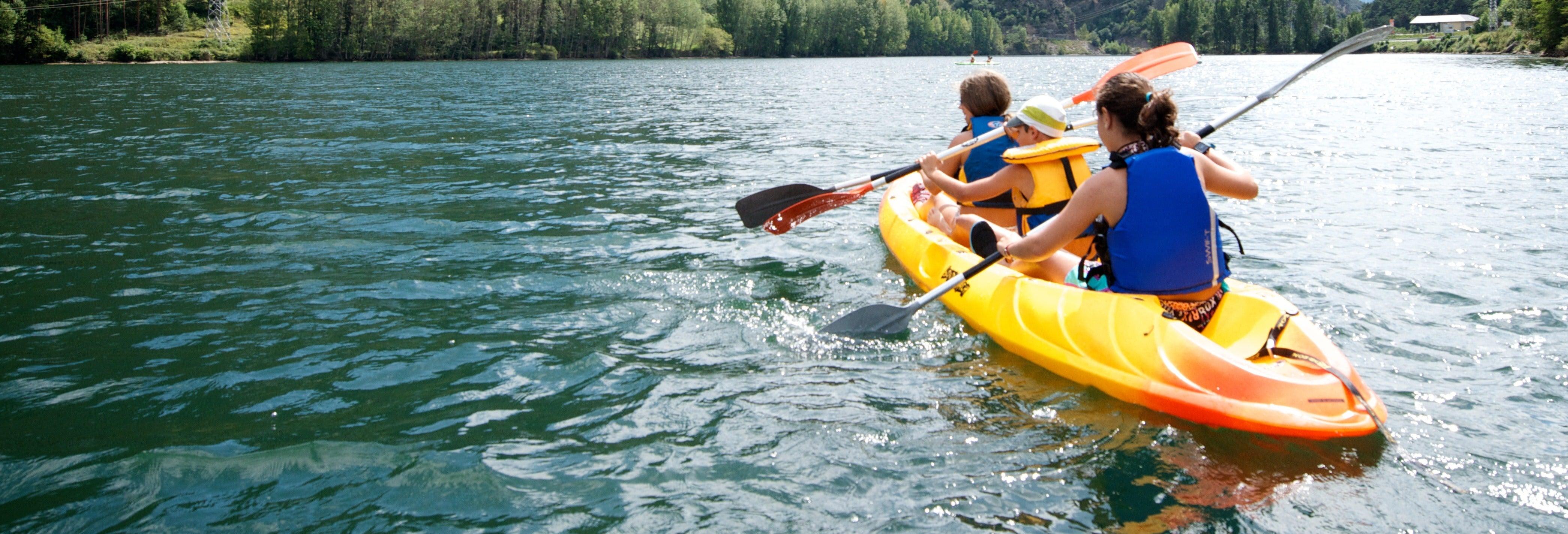 Balade en kayak à travers le lac de la Torrassa