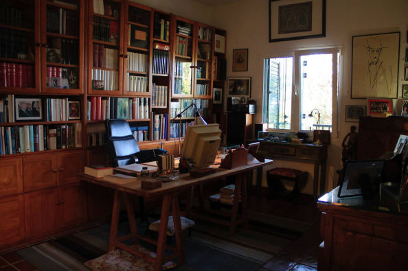 The office of José Saramago in the museum