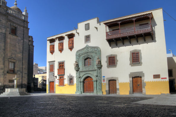 Visit the colonial architecture