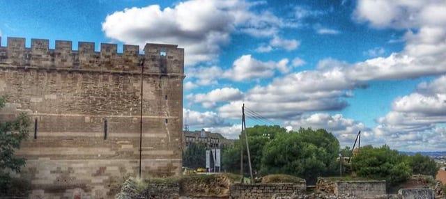 Visita guiada por el castillo templario de Gardeny