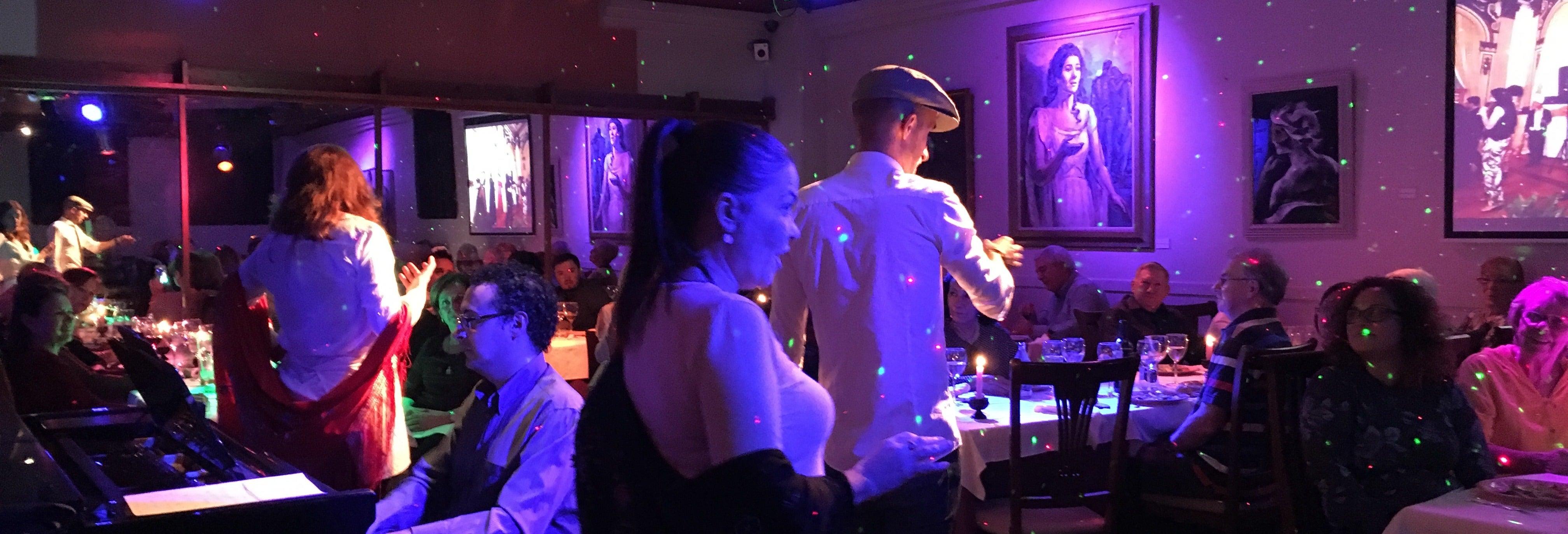Cena y espectáculo en el restaurante La Castafiore