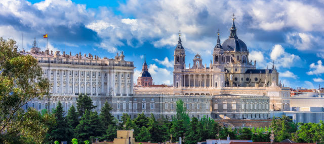 Royal Palace and Almudena Cathedral Tour