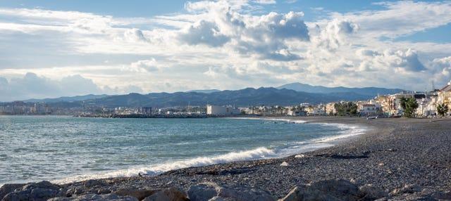 Excursión en barco a la Caleta de Vélez