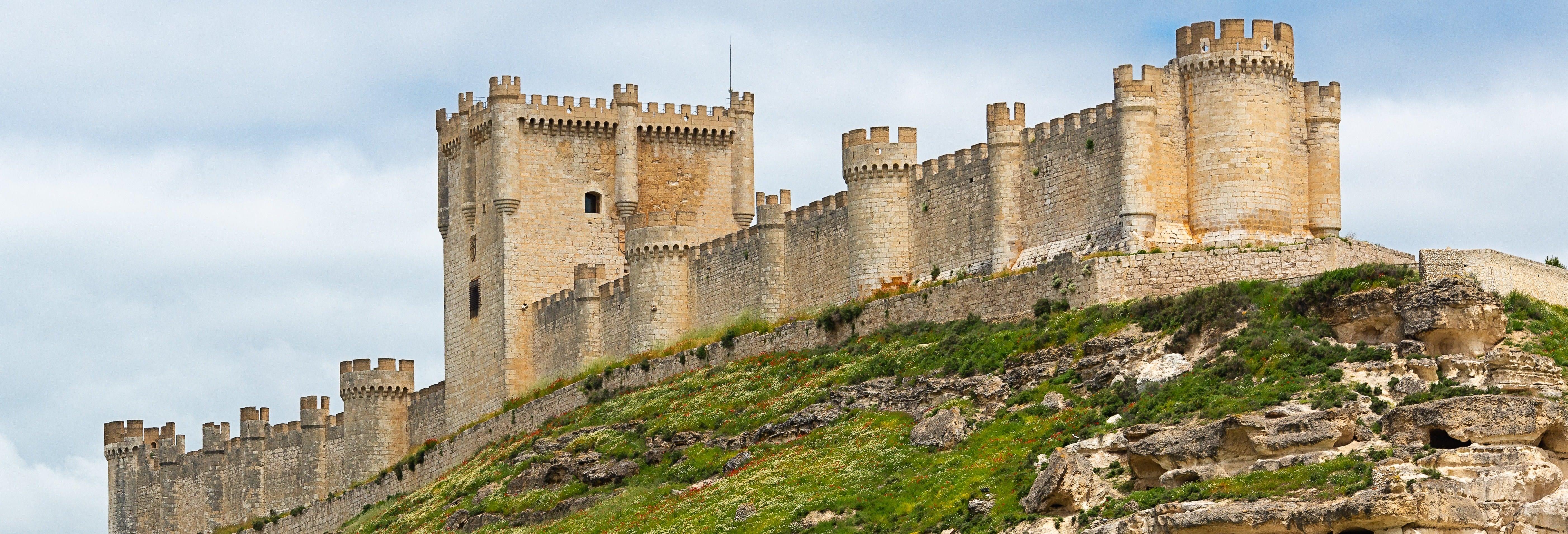 Visita guiada pelo castelo de Peñafiel + Museu do Vinho