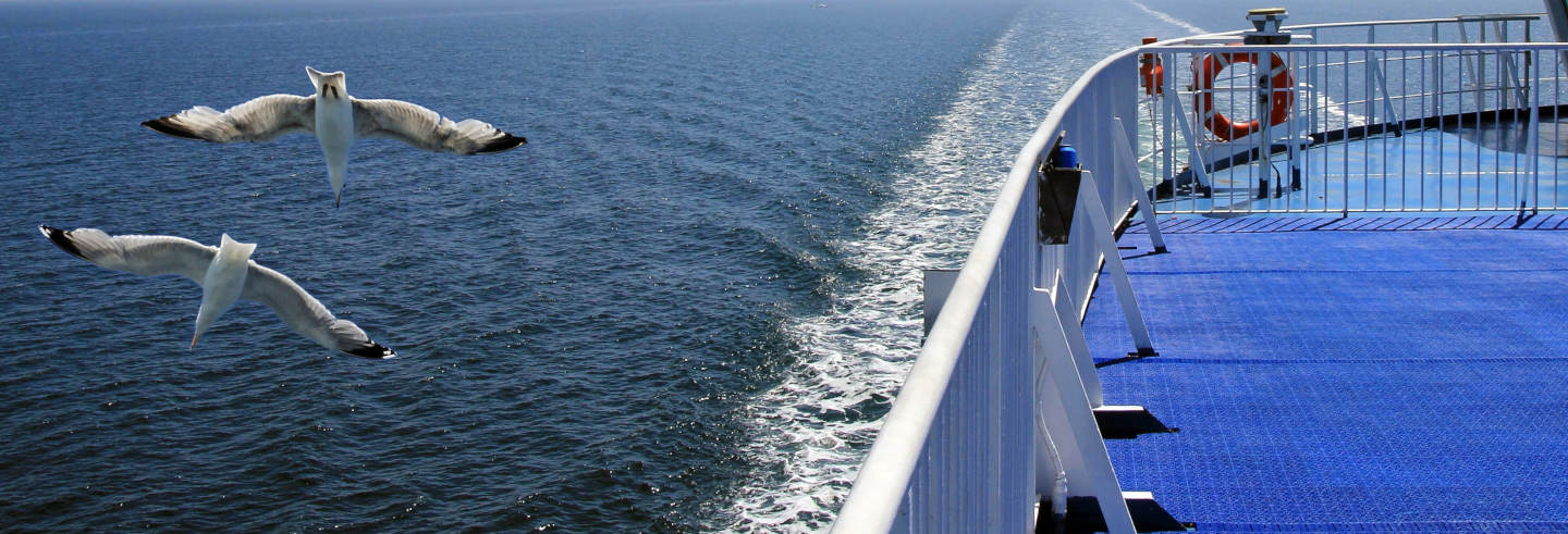 Barco a Formentera saindo de Playa d'en Bossa