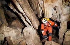 Espeleología en la Cueva de la Plata