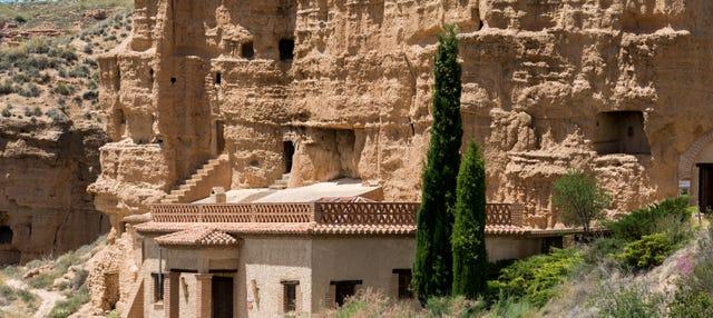 Visita guiada por las cuevas de Almagruz