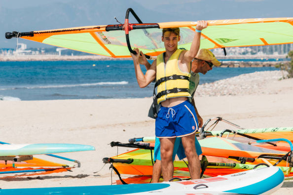 Learning to windsurf in Salou