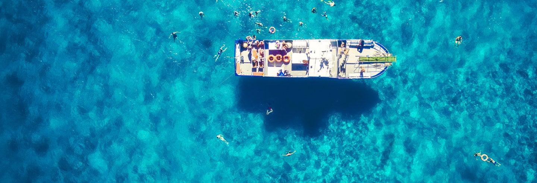 Tour por Ibiza, la vuelta a la isla en barco