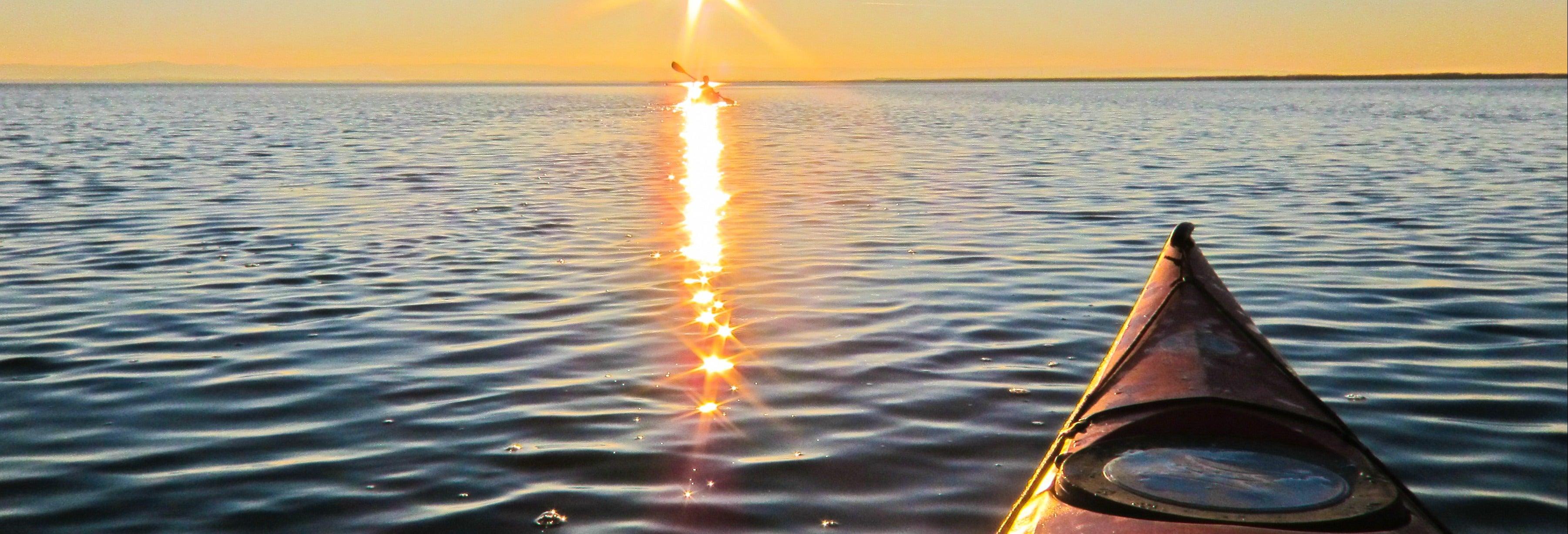 Tour en kayak por el castillo de Sancti Petri al atardecer