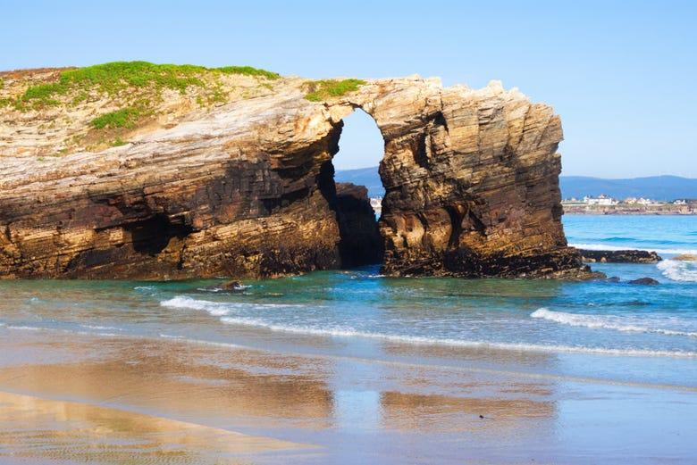 Excursión A La Playa De Las Catedrales Y Lugo Desde Santiago Santiago De Compostela