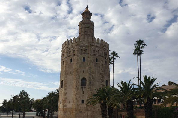Visiting the Torre del Oro in Seville