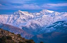 Paseo con raquetas de nieve por Sierra Nevada