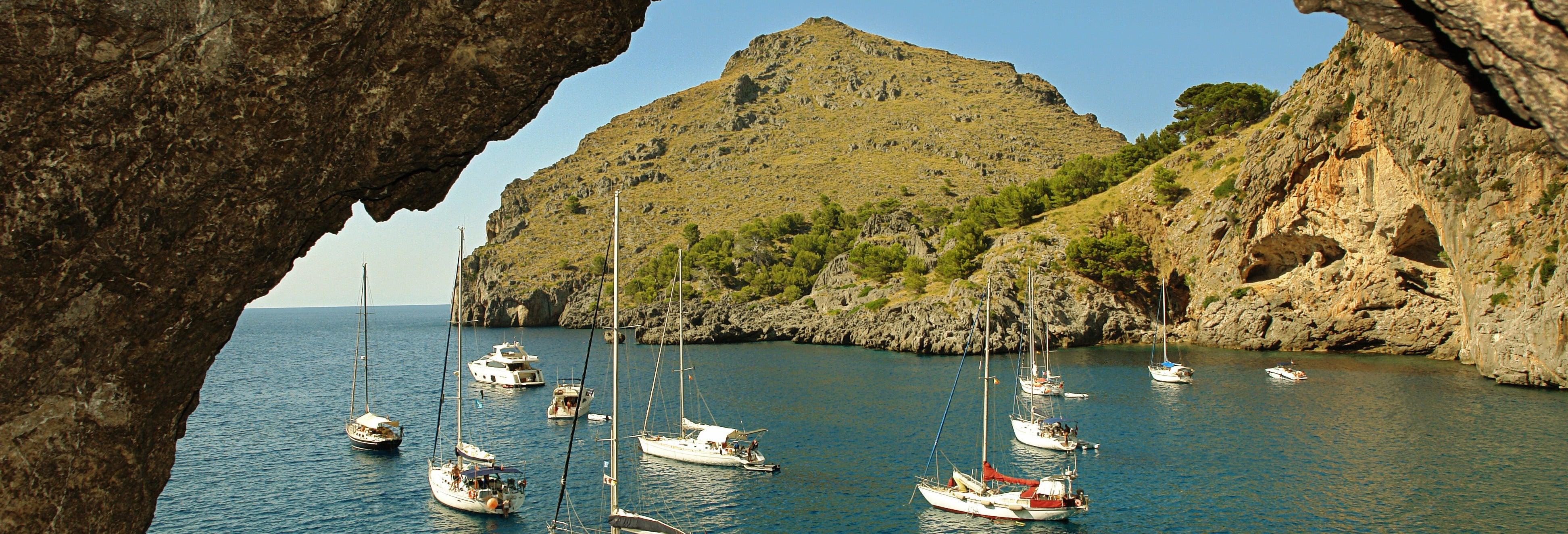 Barco para Sa Calobra saindo de Sóller