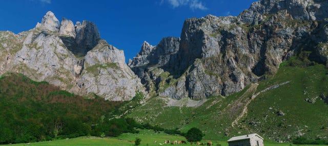 Senderismo por los Picos de Europa + Balneario La Hermida