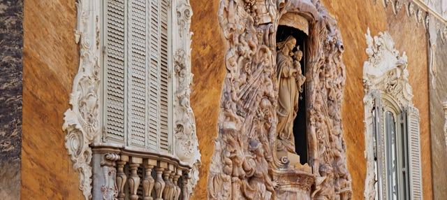Palaces of Valencia Tour