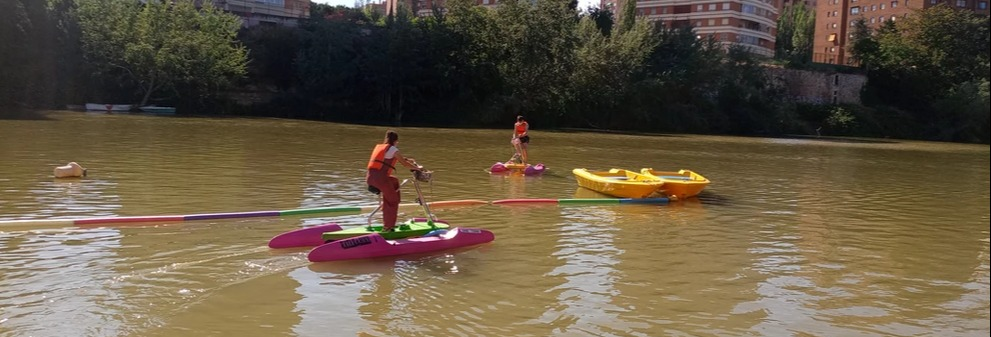 Tour en bicicleta acuática por el río Pisuerga