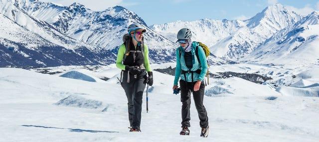 Trekking por un glaciar del Parque Estatal Chugach