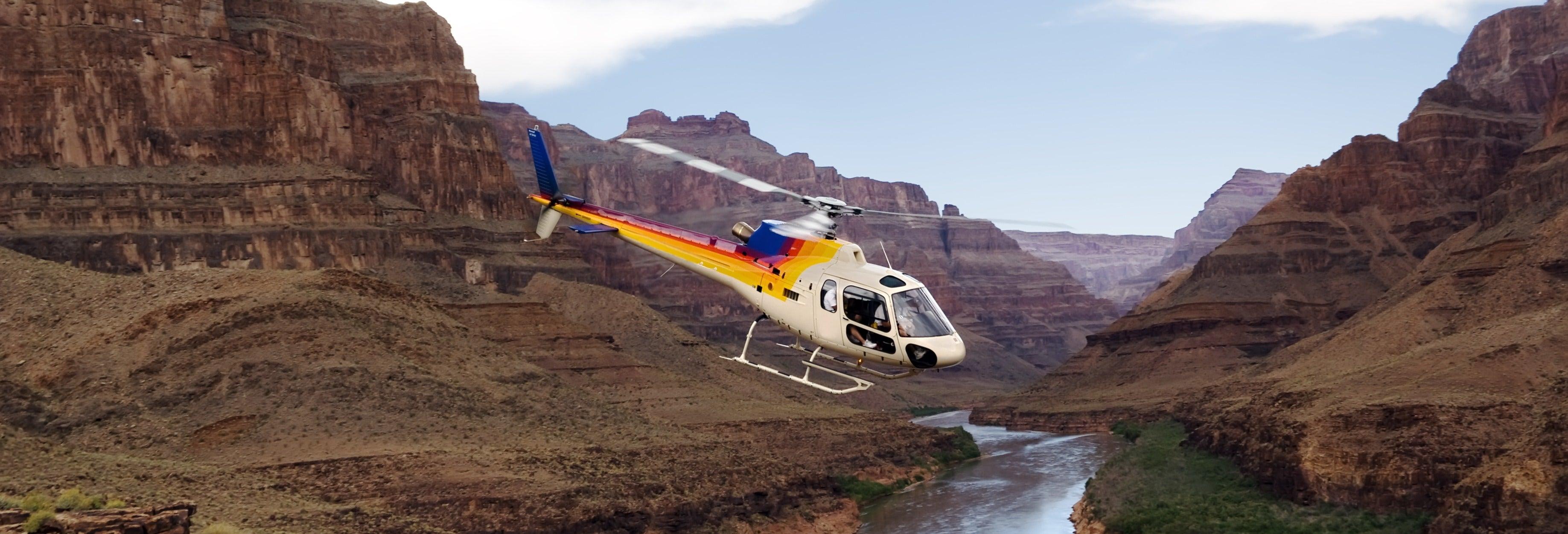 Entrada al Gran Cañón + Paseo en helicóptero y barco