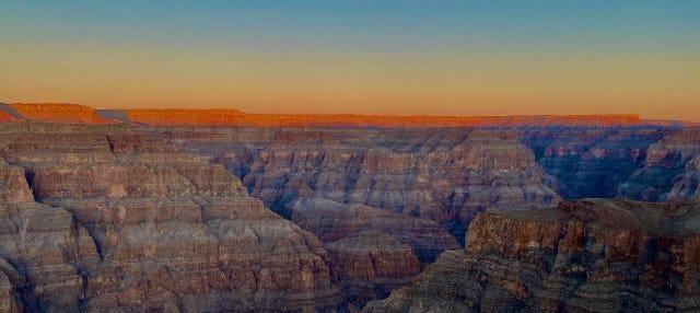 Excursão ao Grand Canyon ao entardecer