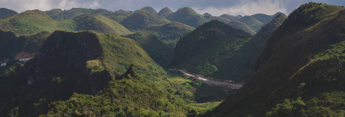 Trekking sulle montagne di Talisay