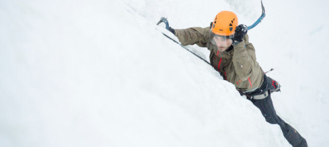 Curso de escalada en hielo en el Parque Nacional Pyhä-Luosto