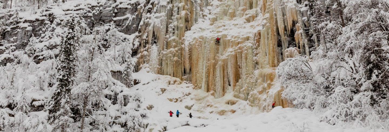 Escalada en hielo en el cañón de Korouoma
