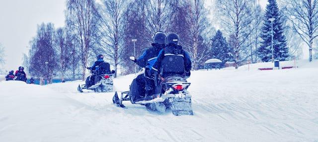 Paseo en moto de nieve + Pesca en el hielo