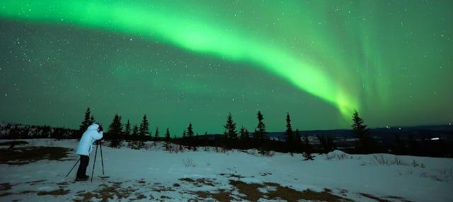 Tour fotográfico de la aurora boreal con barbacoa